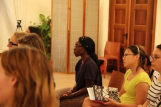 Students at dialogue.
